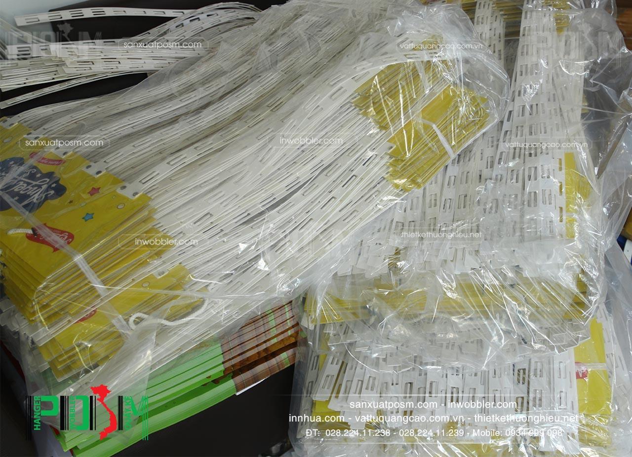 hanger bọc nhựa